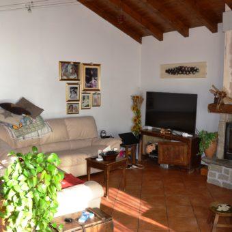 Attico con terrazzo e box, Arizzano