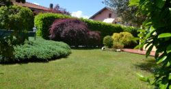 Casa indipendente con ampio giardino, Cambiasca