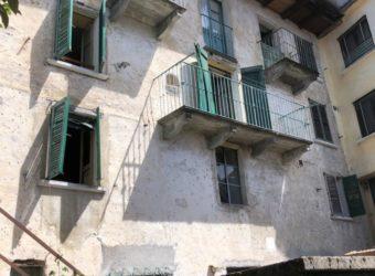 Casa di paese semi indipendente, Aurano