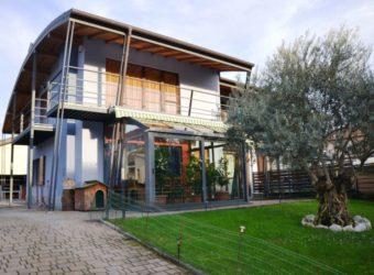 Villa semi indipendente di recente costruzione, Verbania Intra