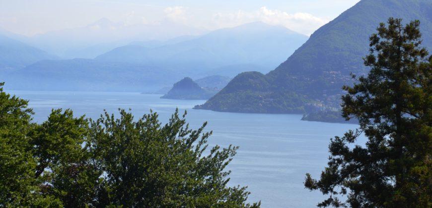 Foto Villa storica con splendida vista lago e parco, Stresa
