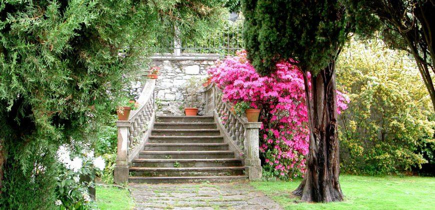 Elegante villa del '900 fronte lago, Verbania Suna