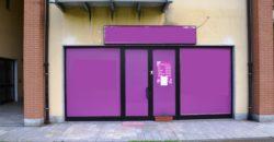 Anteprima foto Negozio con doppio ingresso e 15 vetrine, Verbania Pallanza