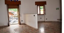 Trilocale termautonomo con terrazzo, Cambiasca