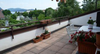 Attico con due terrazzi e vista lago, Verbania Intra