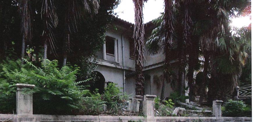 Fronte Lago, Villa con piscina, Suna