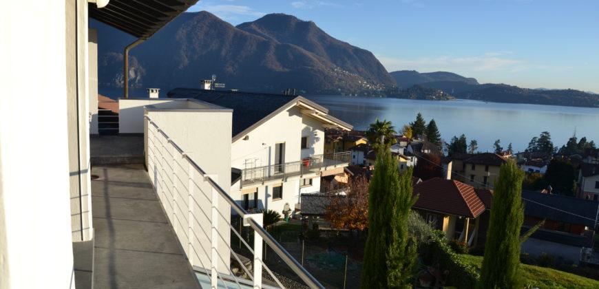 Villa di recente costruzione con vista lago, Verbania