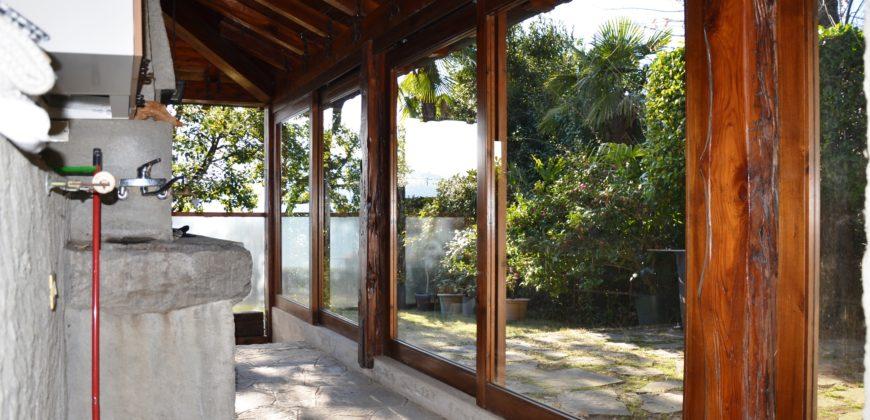 Villa in sasso con splendida vista lago,Suna