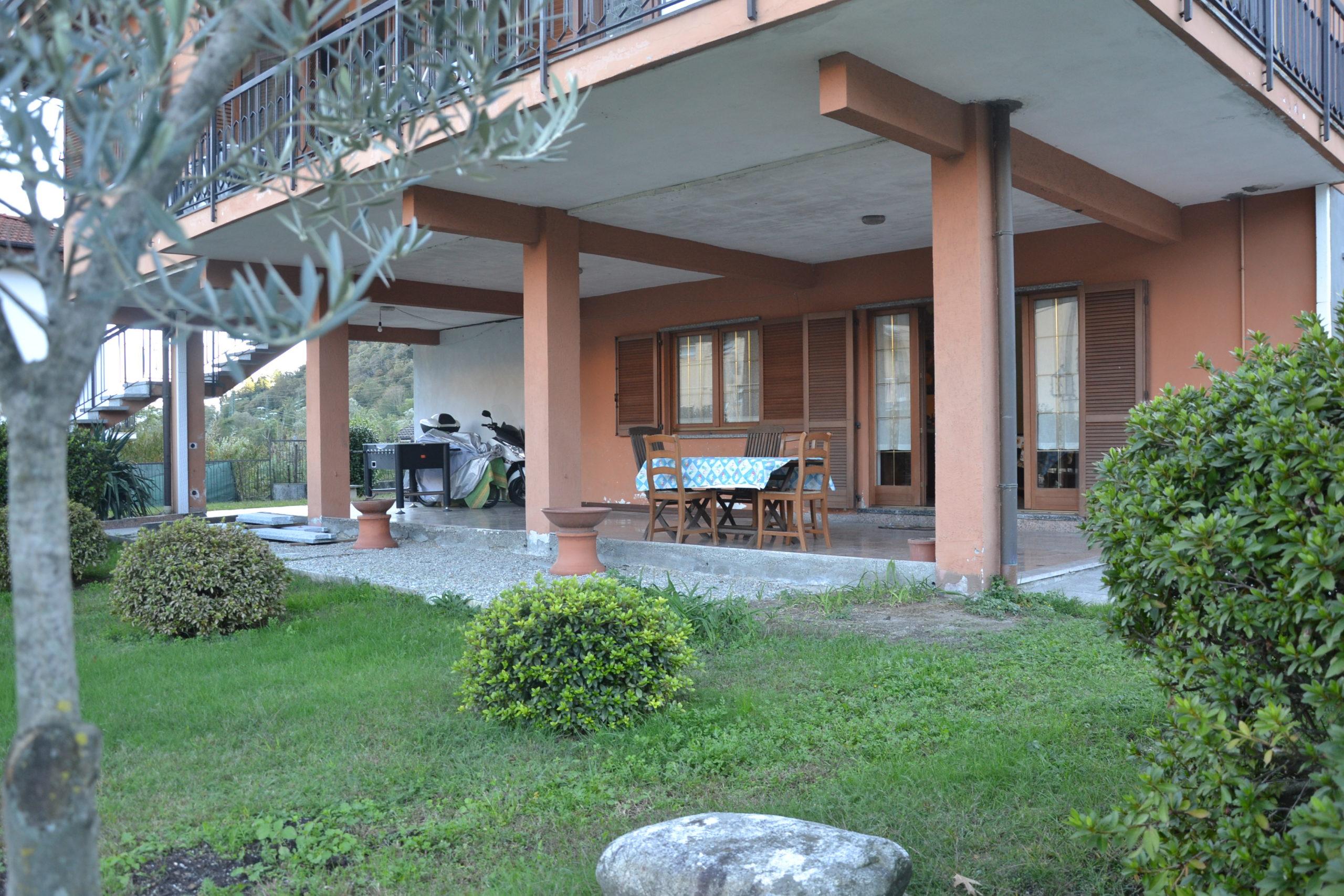 Quadrilocale con portico e giardino in bifamigliare