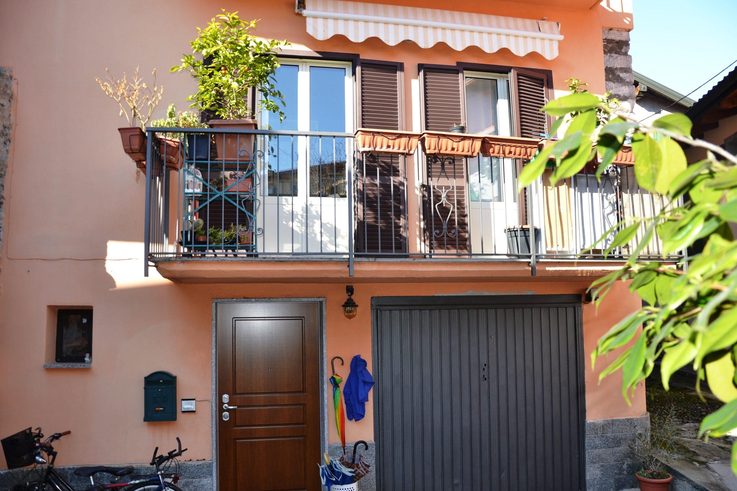 Casa semi indipendente con box, Pallanza