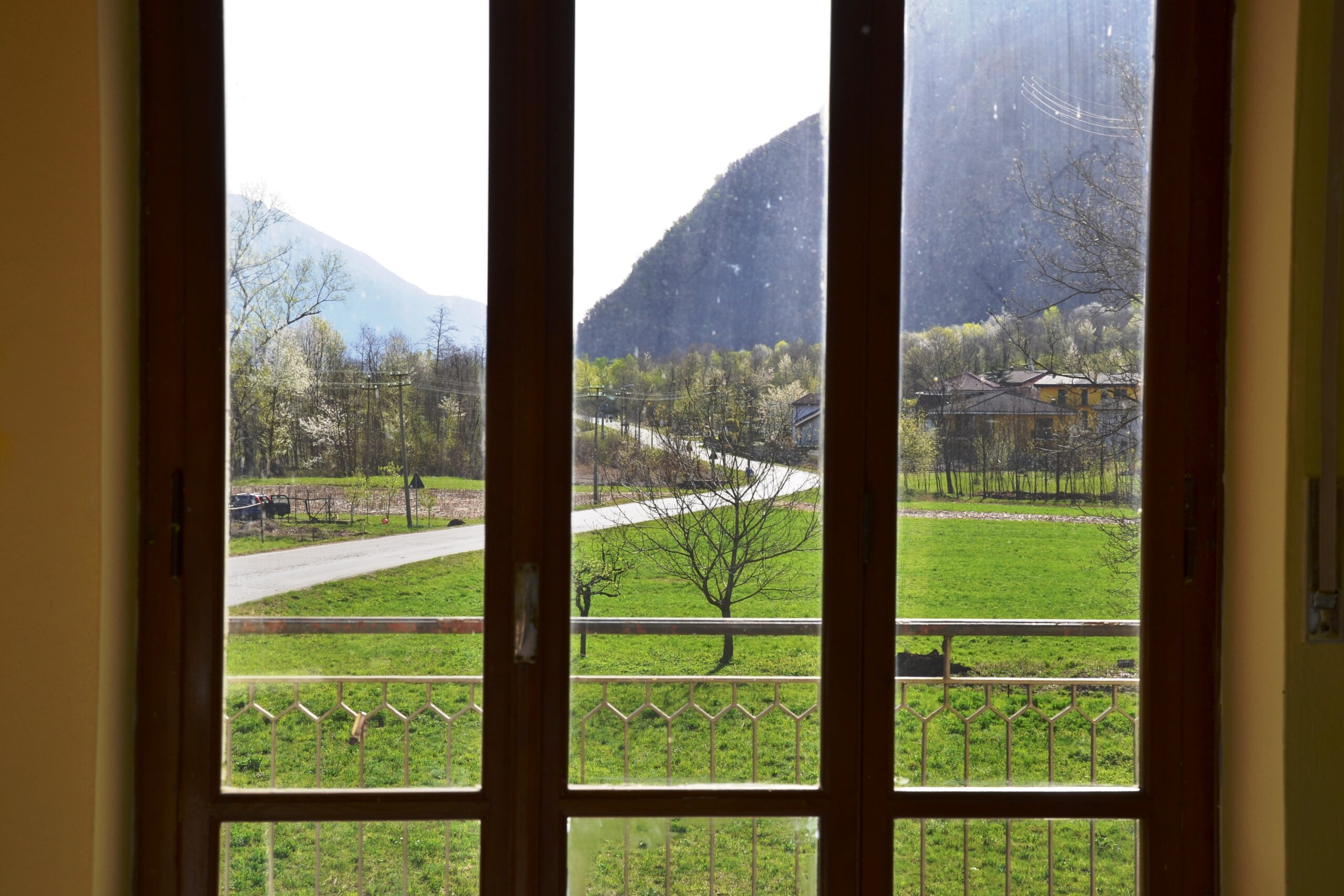Foto Villa bifamiliare da ristrutturare, Megolo