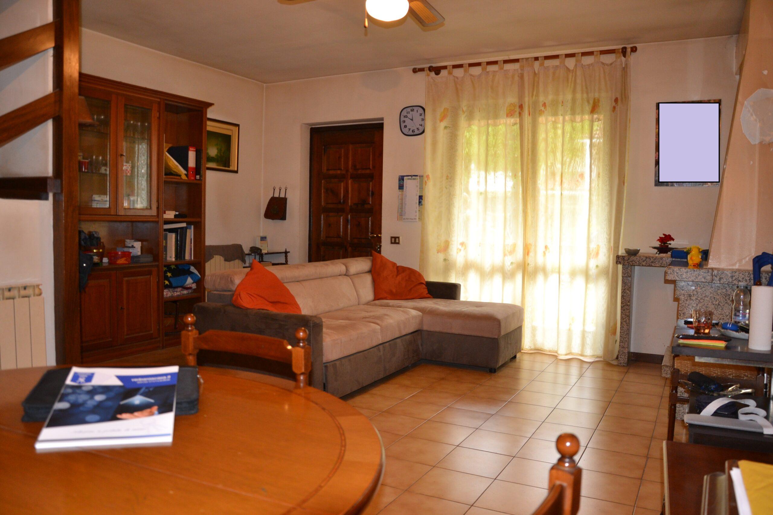 Foto Villa a schiera, Intra