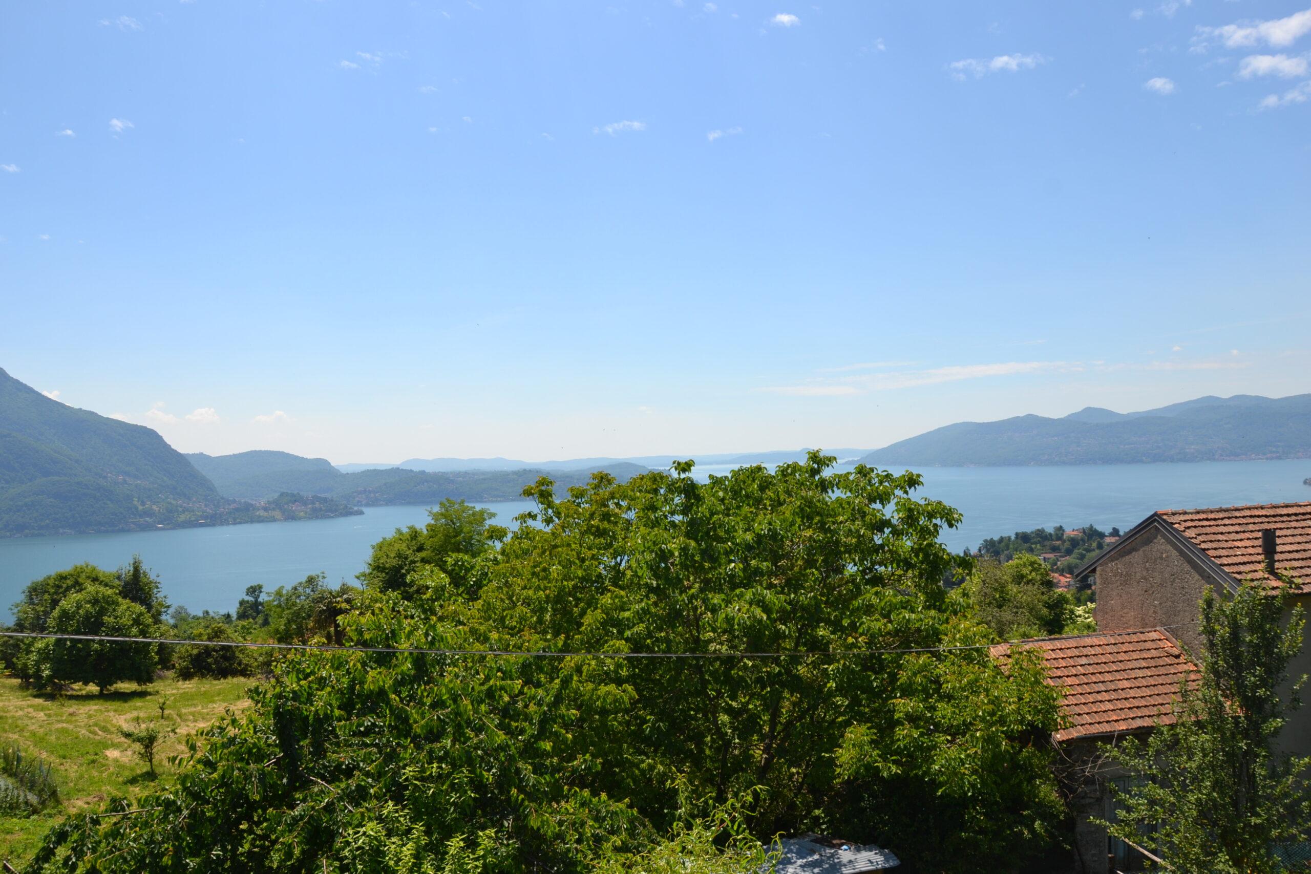 Foto Villa indipendente con vista lago, Ghiffa