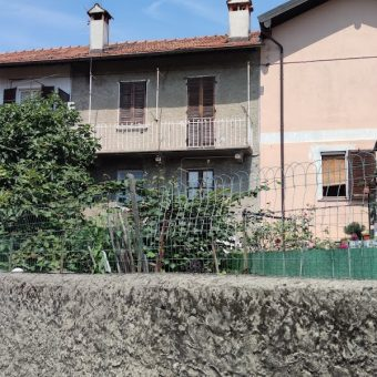 Casa semi indipendente con giardino, Trobaso