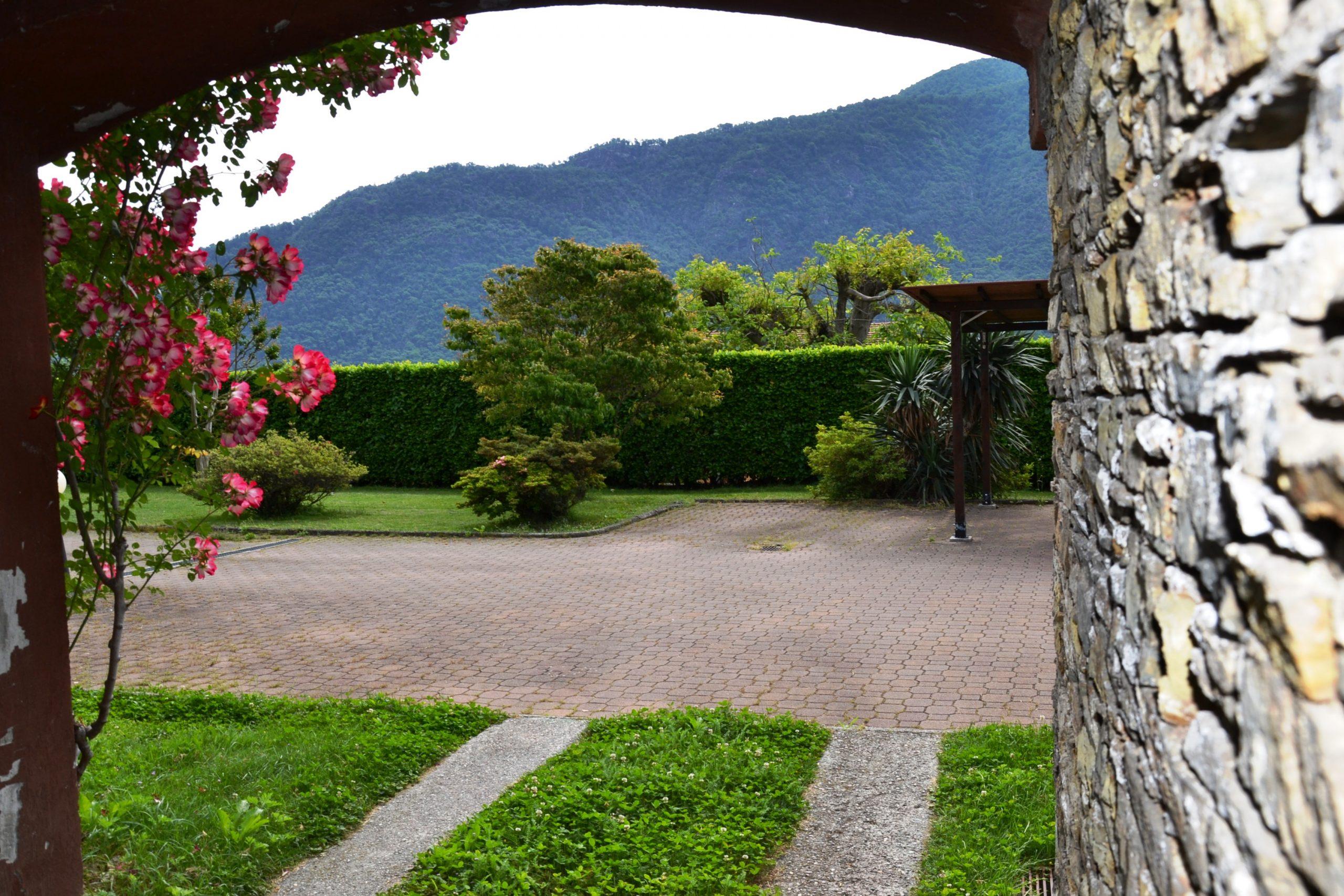 Foto Villa Bifamigliare, Ramate