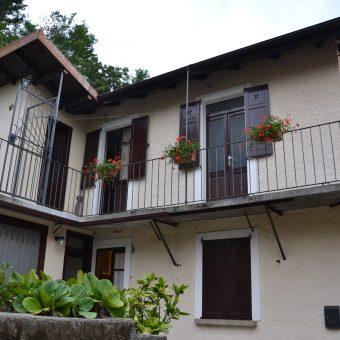 Porzione di casa con giardino e vista lago, Ghiffa