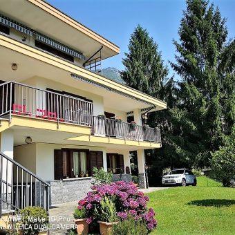 Villa bifamiliare con ampio terreno, Preglia