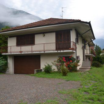 Villa singola con ampio giardino, Gravellona Toce