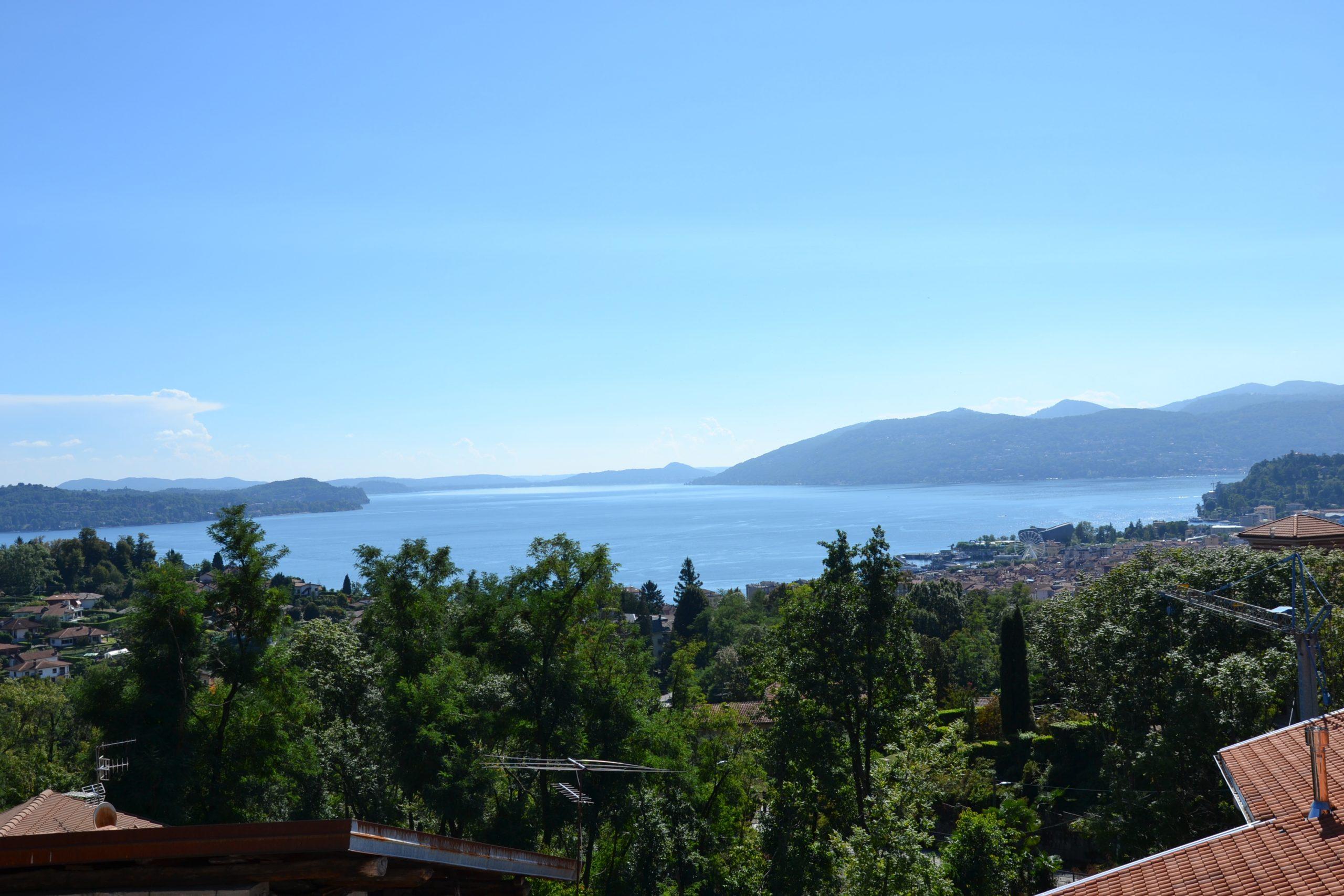 Porzione di casa con vista lago, Zoverallo